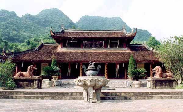 Perfume Pagoda 1 Day