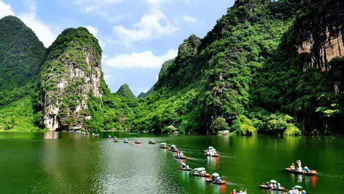 5-Day Northern Vietnam Tour: Hanoi - Ninh Binh - Ha Long Bay