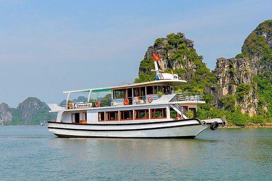 Halong Bay Luxury 1 Day Tour – Wonder Bay Cruise