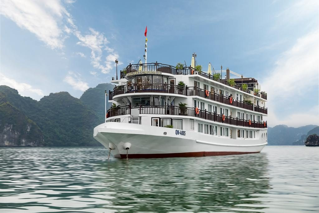 Halong Bay Cruise - Margaret Cruise